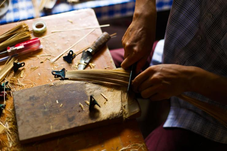 材料的准备:制竹篾